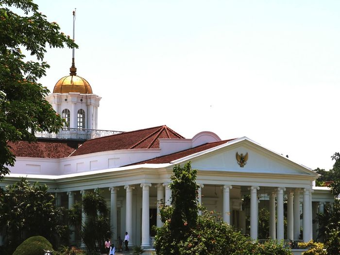 Bogor Palace Palace Bogor INDONESIA Canon National Icon Gold History Tree Politics And Government Historic Architectural Column Historic Building