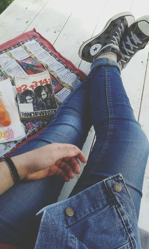 •Non abbatterti,abbatili.• Relaxing The Summer In Italy Is Coming Pepejeans Pepejacket Converse Book Alice E I Giorni Della Droga Carrots Enjoying Life I'm Idiot