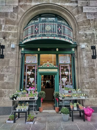 Florist // Flowers Shop Florist Manchester City Pettle Beautiful Business Flower Eye4photography  Photooftheday Stockphoto Stock Photo Photography EyeEm Gallery EyeEm Best Shots Taking Photos Building Building Exterior Architecture Outside Looking In Shopping ♡ Store Stall