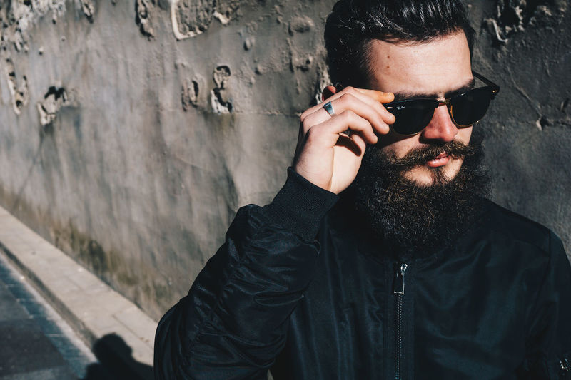 One Man Only Outdoors ILoveMyJob French Frenchphotographer Theyom Photooftheday Sonyalpha Streetphotography Avignontourisme Avignon Sony A6000 Day Mode RayBans® Eleven Paris Shooting Barber Barbu Barberlife
