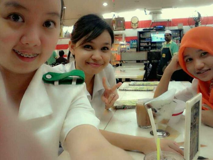 Friend Mamak time..=) Working Hard