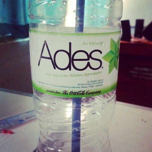 Ini yg setia menemani kelelahan setiap sekolah. Biglaff ({}) :3 Minerals Water Go Green drink healthy school