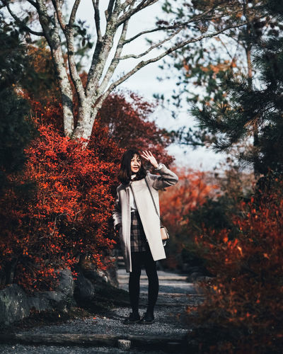 Nice Light Tree Plant One Person Full Length Real People Young Adult Young Women Standing Nature Leisure Activity Lifestyles Casual Clothing Tree Trunk Trunk Growth Front View Women Outdoors Warm Clothing Contemplation Beautiful Woman Autumn Autumn colors Autumn Leaves autumn mood It's About The Journey