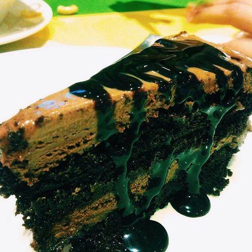 ..... 😋 Dinnertime FamilyTime Weekend Californiapizza Cakes Instacakes Instaloversapp Instalife