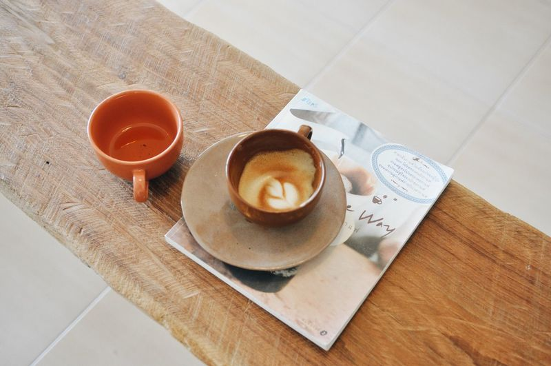 Latte Hotcoffee Cafe Coffee Food And Drink Drink Table Coffee Refreshment Cup High Angle View Still Life Freshness Mug Coffee - Drink Coffee Cup Food Hot Drink Indoors  Tea Saucer No People Kitchen Utensil Ready-to-eat