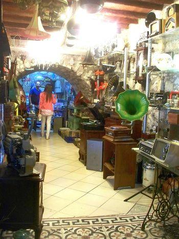 Gramafon Evi Alaçatı Antique Antikacı Outrageous