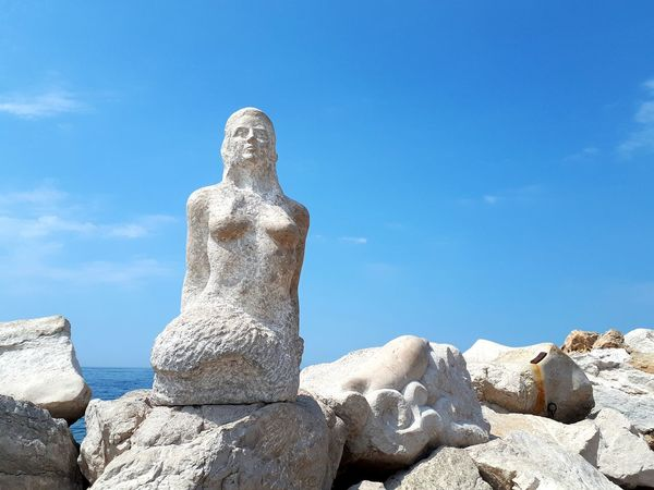 Blue Blue Background Blue Sky Sunny Day Sunny Statue Statue Waterwomen