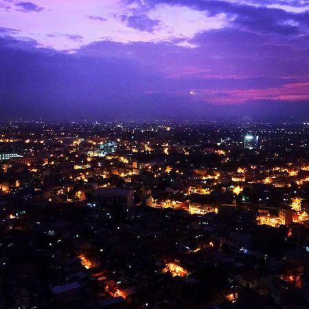 Paper town Paper Town Bright Lights, Lonely Nights TheCityThatNeverSleeps Breakingdawn Morninghasbroken Purpleskies Night Night View