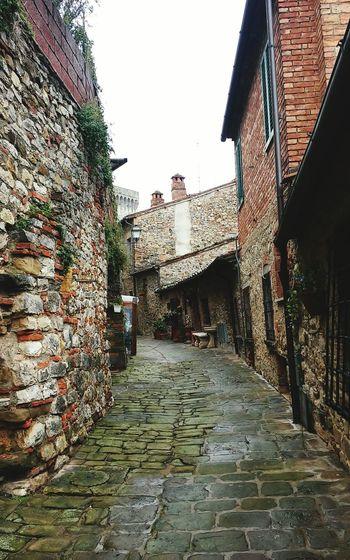 Lucignano Arezzo Tuscany Taking Photos Italy Weekendtrip Walking Around Brautiful Touristing  Cityscape