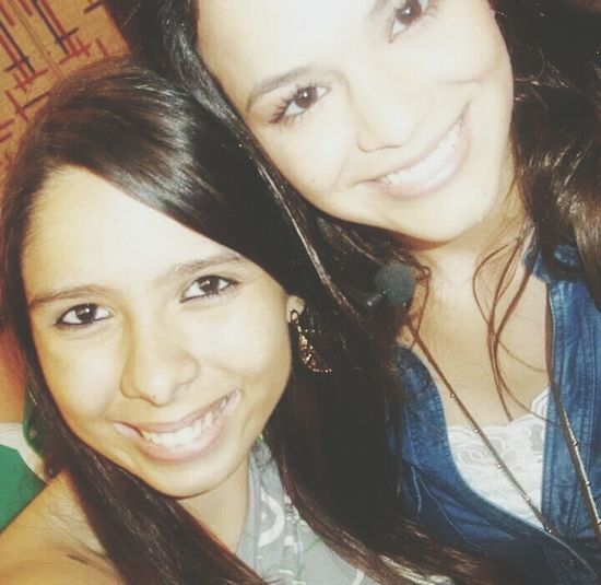 To horrivel, mas é a única foto que eu tenho sozinha com a Bruna Marquezine </3 Foto Antiga 2011 Videoshow Tietando