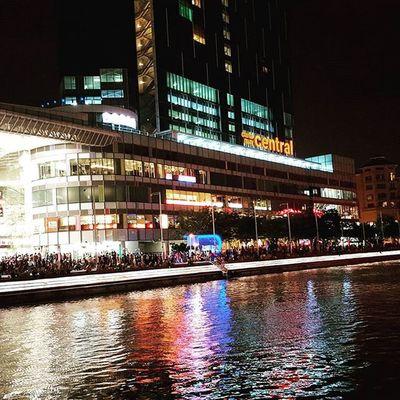 Clarke Quay Central. Singapura2015 Nightscene Wanderkat SamsungS6Edge