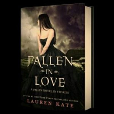 In the past month, I've finished reading 4 books and this is one of them. :) Booklover Suckerforlovestories Ilovetoread Fallen laurenkate