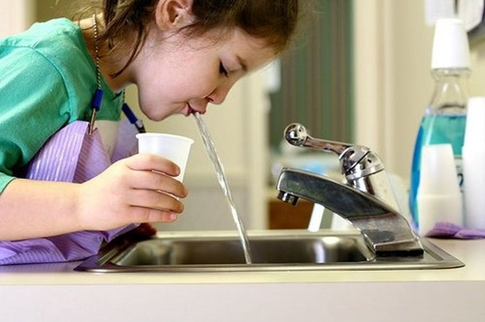 Child Close-up Domestic Kitchen Indoors  Motion One Girl Only One Person Sink Spit Water Water