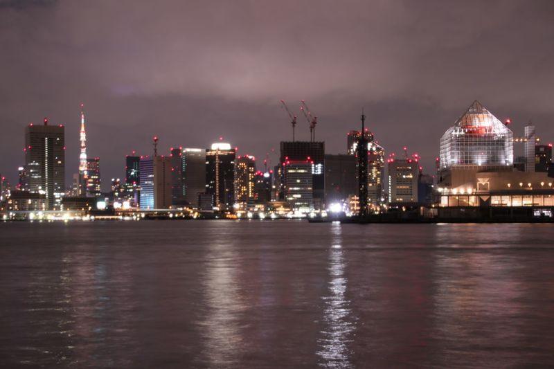 大井埠頭 東京タワー Tokyo Tower 豊洲ぐるり公園 豊洲市場 夜景 Building Exterior Built Structure Architecture Night Illuminated Water City