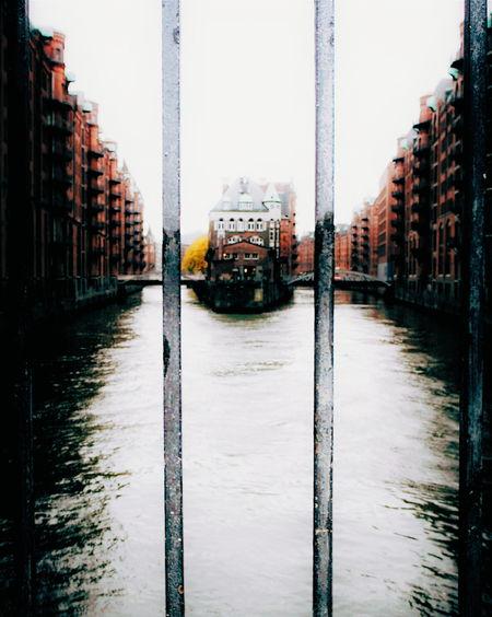 Behind bars... Hamburg HAMBURG ... Moin Moin Hamburgmeineperle Hamburg Hafencity 8ung Hamburg Symmetrical Behind Bars Symmetryporn Symmetrykillers Elbe River Riverside Architecture Mood Adventure