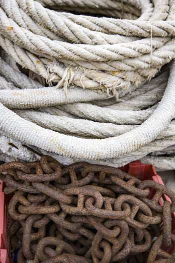 Close-up of rope and chain