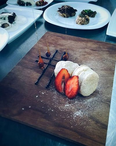 Bisquit Bread Strowberry Powderedsugar Chocolate Sugar Stick Bakery Cheffe Cheffs Cheffin Cheffy Cheffing Kitchen Decor Platedesigning Plateddessert Foodphotography Food Foodie Foodporn Foods Cooking Cooked Cookshop