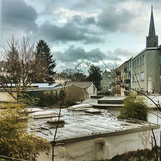 Kleine Regenpause? Jetzt wäre vermutlich der beste Moment schnell zur Arbeit zu kommen? Köln Kolle Wetter Regen Frühling HTC HTCOneM9 OneM9 HDR