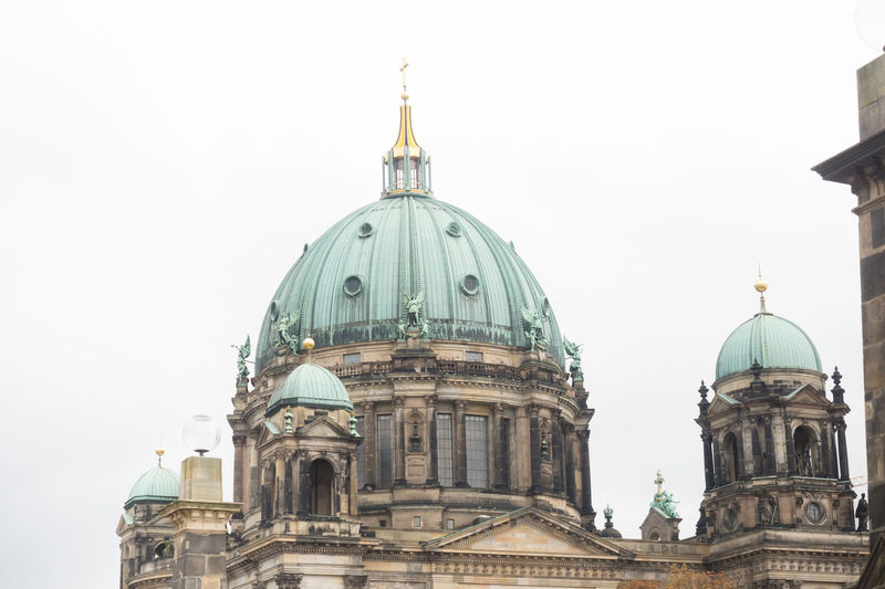 Historical Museum Island, Berlin, October 2017 Berlin Museum Island Architecture Building Exterior Built Structure Day Editorial  Editorial Photography Editorialphotography Museum Museum Island Berlin No People Outdoors Sky
