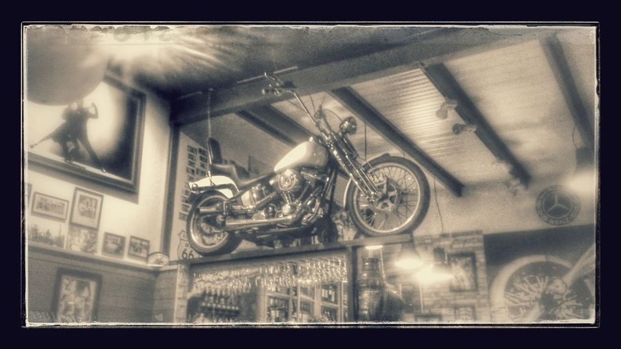 Bar Harley Hanging Out Motorcycles