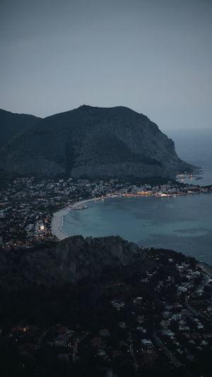Italy Zoom Wild