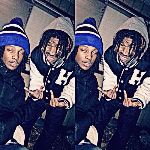 Hanging Out Chillin Dreadhead Cold Days Dreadhead brothers