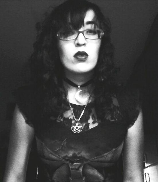 Blackandwhite Black Thats Me ♥ Pentagram❤ Pentagrama Pentagram Pendant Pentagramma Io Blacklipstick Blacklips👄 Hola Mundo ✌ Holaaaaaaaaa ;) Yo