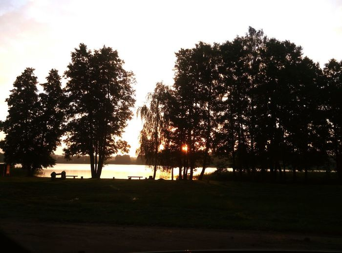 6 o'clock in the morning Earlymorning  Nosleeptonight Nature Lonelylake Sunisrising Sunrisin Beautifulmorning Nomood Dontwanttogohome