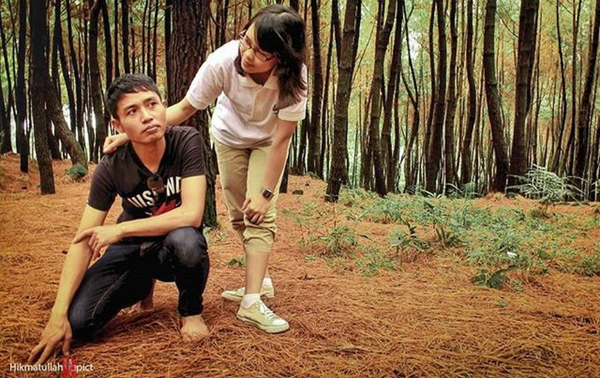 Kayanya si cowo lagi...ah sudah lah...Fromwhareistand Beutiful  Bogor GunungBunder Funny Travel Greatview Love Iwanderer Nature Natural Indonesian Panorama Landscape Explore Exploreindonesia Hunting Art Chasinglight Photograph Latepost Streetphotography Romantic Candid Wood jalanjalan niceview bestfriend tree