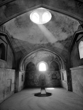 Arch Indoors  Religion History Spirituality Illuminated No People Architecture Day