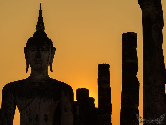 Buddha Buddha Statue Buddhism Buddhist Statue EyeEm Best Shots Peaceful Sukhothai Sukhothaihistoricalpark Sunset Sunset_collection Thailand Sukothai Learn & Shoot: Balancing Elements