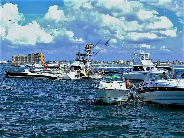 Boats⛵️ Cloud - Sky Friends, Fun And Sun Hanging Out On The Water Nautical Vessel Sea Sky Transportation Water Blue Wave