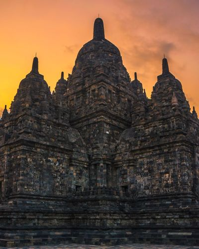 sewu temple is a budha temple at central of java, indonesia Neweyeemhere Wonderful Indonesia Pesonaindonesia Worldcaptures INDONESIA Indonesia Photography  Landscape_Collection Landscape_photography Cultural Heritage Heritage Landscape Landscape_lovers Sunrise N Sunsets Worldwide  Sunrise_sunsets_aroundworld ASIA Arcitecturephotography Asia Landscape Temple Architecture Sewu Temple EyeEm Selects Place Of Worship Sunset Ancient Civilization Business Finance And Industry Religion Arrival Beauty Pagoda Architecture Archaeology EyeEmNewHere