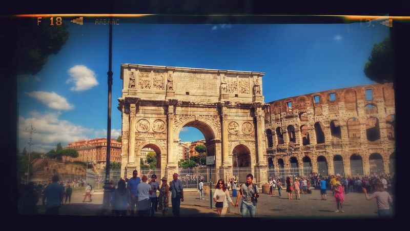 Filtri Assai Architecture Tourism Large Group Of People History Sky People Arch City Day Triumphal Arch Rome Italy🇮🇹 In My Hart. My City Is Beautiful Dreamer's Vision Cartolina Moving Around Rome
