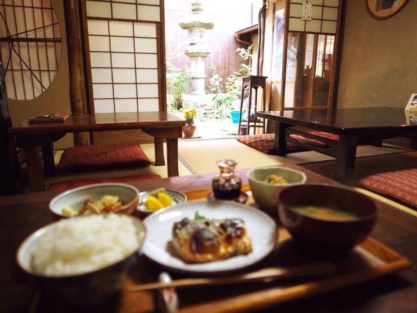 Kyoto Japan Rojiusagi Lunch Lunch Time Delicious Food Fish Mackerel Courtyard  Japanese Food Japanese Style Olympus PEN-F 京都 日本 ろじうさぎ 昼ごはん 日本食 中庭 鯖 魚