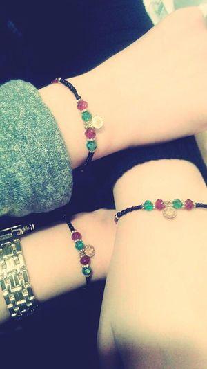Bileklik kardeşliği <3 Hello World People Friendship Love Gift Cooperation Happy Girls ? ✌?