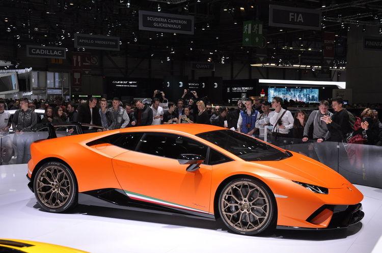 Aston Martin Vanquish S Lamborghini Huracan Buggati Car Chiron Geneva 2017 Lamborghini