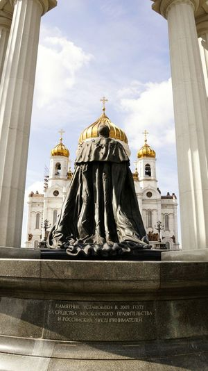 Architecture Religion Travel Destinations History Spirituality Statue Building Exterior Low Angle View City Politics And Government Alexander II Moscow Sony Art Photography Art Art Photo VikaK Photography Summer Photographer The Cathedral The Cathedral Of Christ The Savior Church