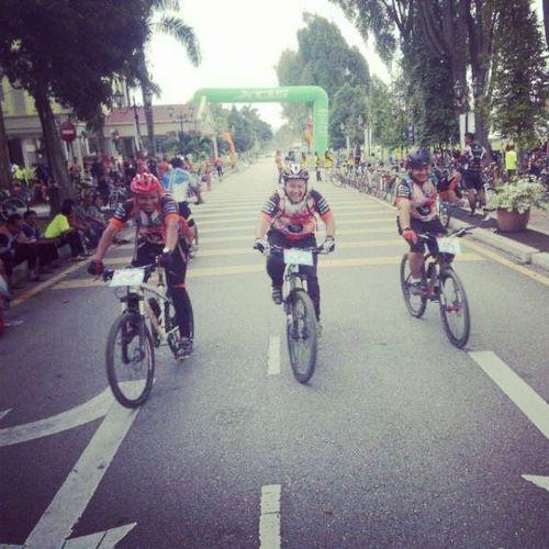45++kilo we ride..fin 1335 o'clock..enjoy with my bro.. Upsi Pongeh Kuranggula Singletrail uphilldownhillcrossriverjambatangantungmcm2lgla...