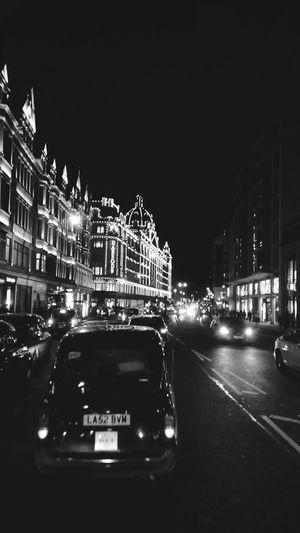 Blackandwhite Taking Photos City Life London Night Traffic Travel Arhitecture Buildings Getting Around Traffic Lights Streetphotography