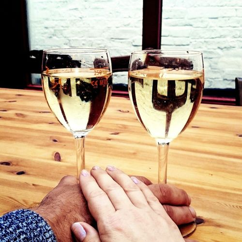 Hanging Out Check This Out Date Date Night Couple Couples Shoot Couple In Love Couplephotography Love Enjoying Life Color Of Life Two Is Better Than One Symbol Enjoy The New Normal Wine Moments Alkohol Celebration Hands Body Part Wine Not
