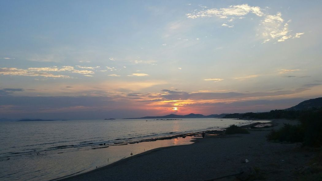Peaceful Quality Time Taking Photos Enjoying The Sun Colorful Check This Out Sea Sunset