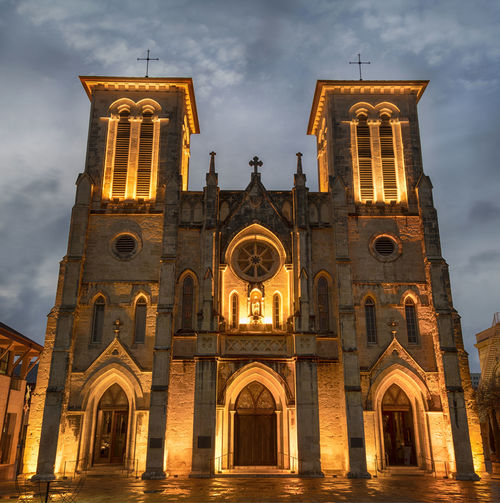 Church Arch Architecture Bell Tower Building Exterior Built Structure Cloud - Sky Cross Day Façade History Low Angle View No People Outdoors Place Of Worship Religion Rose Window San Fernando Cathedral San Antonio, Texas Sky Spirituality Travel Destinations
