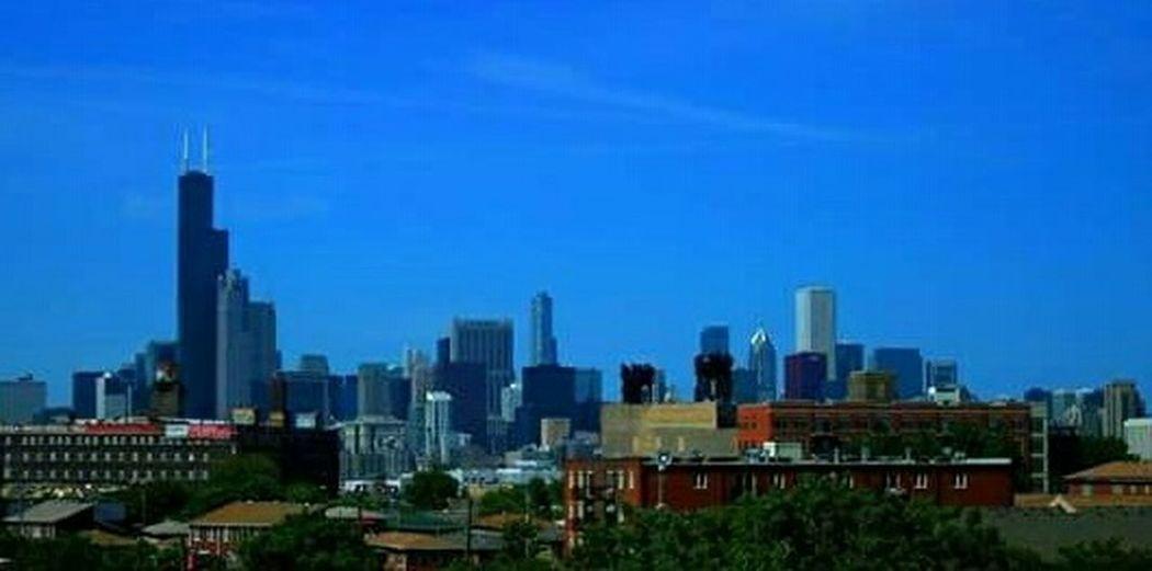 Chicago skyline on @ beautiful sunny morning 😊 City Chicagoshots Chicago Skyline Chicago Architecture Chicago