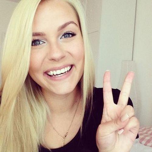 Loving Her Best YouTuber Ever Youtube Dagibee