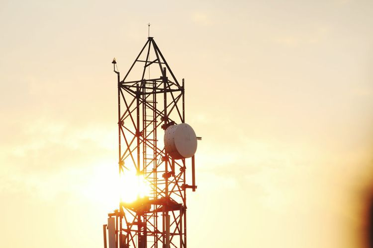 Silhouette Sunset Business Finance And Industry Communication Antenna - Aerial Sun Technology Global Communications Sky Cloud - Sky Built Structure Outdoors No People Space Nature Astronomy Day
