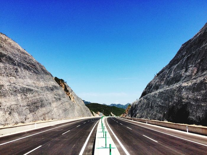 🚦🚦🚦 Road Roadtrip View Road To Nowhere Sky Blue Sky Sunnyday Clear Sky
