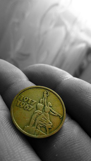 Photography Blackandwhite Getting Inspired Russia Macro Hand Thats Me  Silhouette Old Coin Collection Ussr