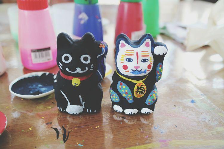 招き猫絵付け🐱3時間近く没頭してた:-o Japan Mie Grand Shrine Of Ise Holiday Naiku Street おかげ横丁 Okageyokocho Beckoning Cat Painting