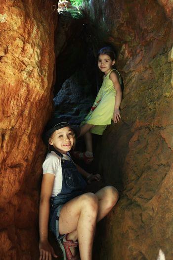 Child Girls Two People Nature Mountain Climbing ребенок дети Природа горы скалолазание скалолаз